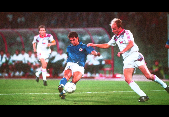 1990 World Cup Finals, Rome, Italy, 19th June, 1990, Italy 2 v Czechoslovakia 0, Italy's Roberto Baggio on his way to scoring his side's second goal